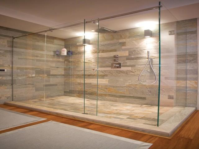 rivestimento bagno zona doccia in ardesia